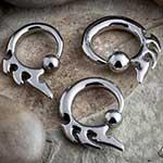 Triple threat captive ring