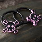 Black-coat pink skull captive