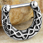 Geometric patterned clicker ring