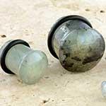 Single flare B-grade labradorite plug