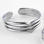 Stacked adjustable toe ring